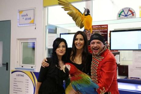 Tonia Campanella, Elisabetta Gregoraci e un ospite in un recente evento a Manfredonia (ph StatoQuotidiano)