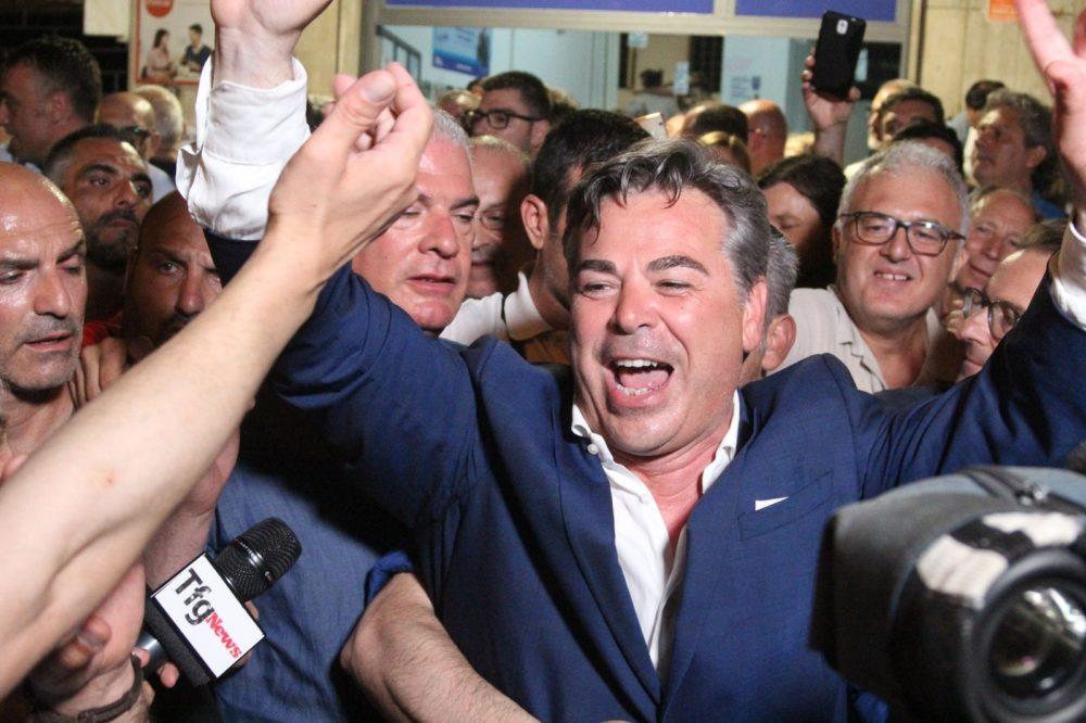 Foggia, arrestato per corruzione il sindaco dimissionario Franco Landella