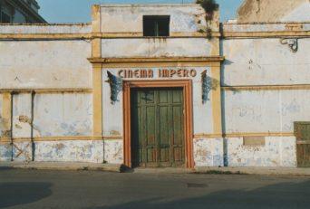 Ingresso Cinema Impero- in via dell'Arcangelo-A destra la biglietteria e l'ingresso per la scalinata alla saletta propiezione film