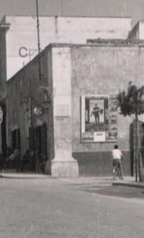 Piazza del Popolo-Tabellone pubblicitario film Cinema Pesante