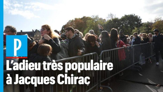 Des milliers de Français autour du cercueil de Jacques Chirac