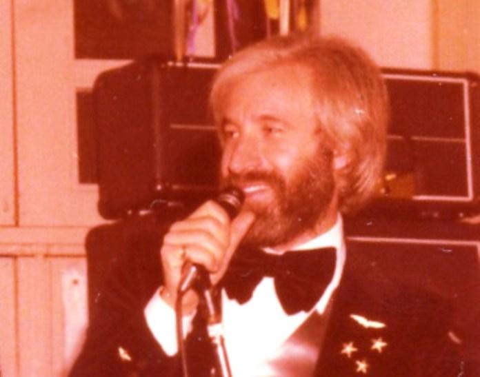 Il cantante LUCIANO GATTA-archivio Franco Rinaldi (sq)