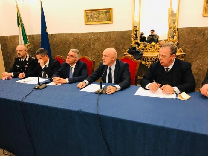 Il prefetto nella riunione con tutti i sindaci della Capitanata, gli OO.R.R, il direttore della ASL ha detto che tutti devono mantenere lo stesso orientamento in conformità con le direttive della Regione (ph Paola Lucino, Foggia, 25.02.2020)