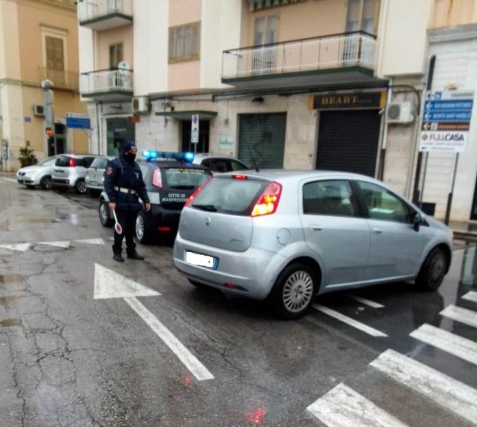 Covid-19: nonostante la pioggia battente di queste ore, continuano i controlli degli agenti dellaPolizia localeper attestare il rispetto delle misure indicate nei provvedimenti governativi e territoriali