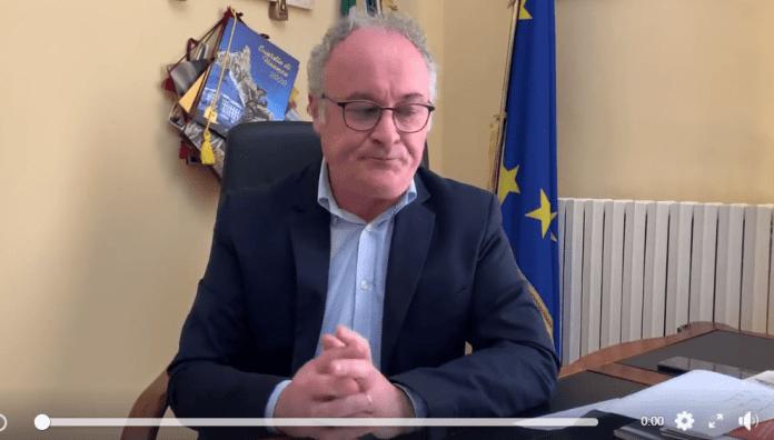 IL SINDACO DI SAN GIOVANNI ROTONDO, MICHELE CRISETTI (FRAME VIDEO)