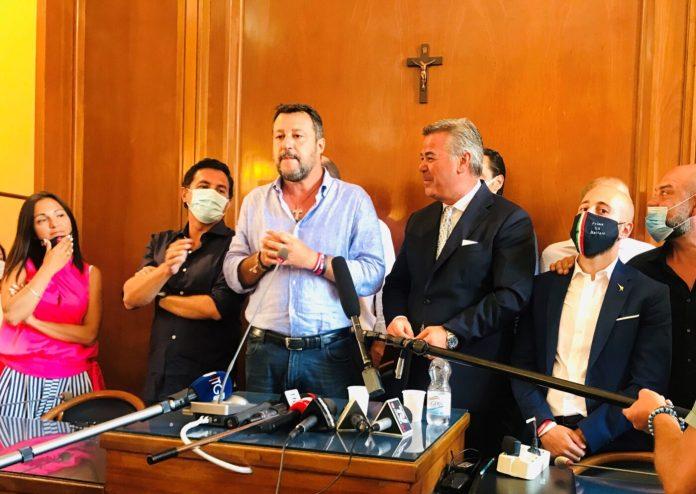 Al centro Salvini e Landella, a sin. Di Donna e Altieri, a dx Cusmai