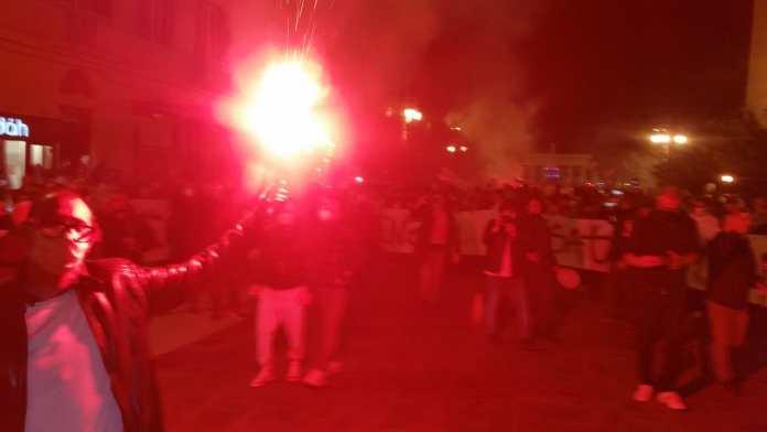 Foggia, oltre 1000 in piazza contro il dpcm Conte:
