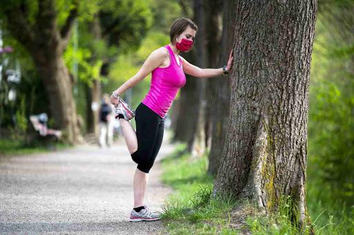 No mascherina per chi fa sport, ma a passeggio va portata