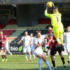 Terza sconfitta consecutiva per il Foggia Calcio, battuto in casa per 0-2 dalla capolista Ternana nella 26^ giornata del campionato di serie C. Ph Enzo Maizzi