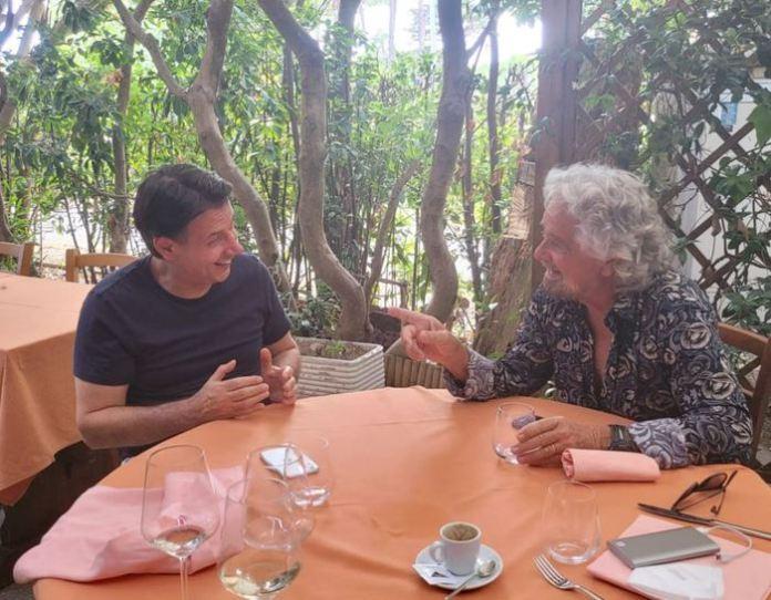 incontro Grillo e Conte a Marina di Bibbona (ANSA)