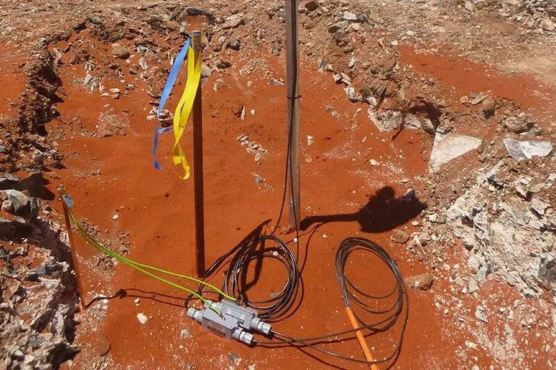 Instrumentation - Vibrating Wire Piezometer installation