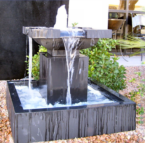 Joli Square Modern Garden Fountain