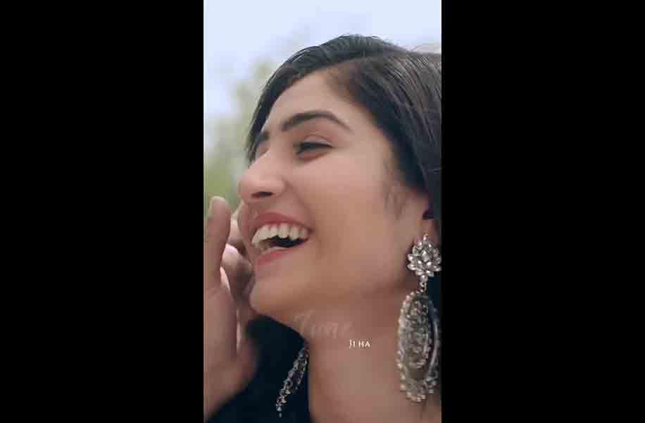 Tu Bhi Sataya Jayega Fullscreen Whatsapp Status Video Download