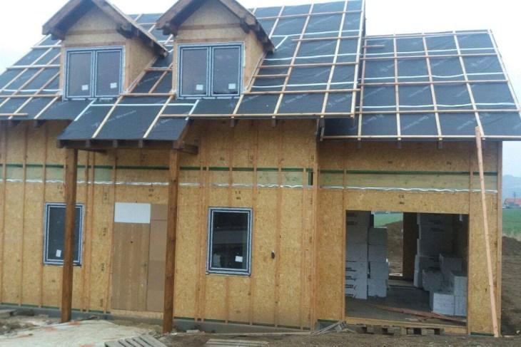 Postavený dům - Výstavba RD Trubín-dřevostavba domu svépomocí- Čistá stavba – !! Stavba patra bez Koordinátora !!