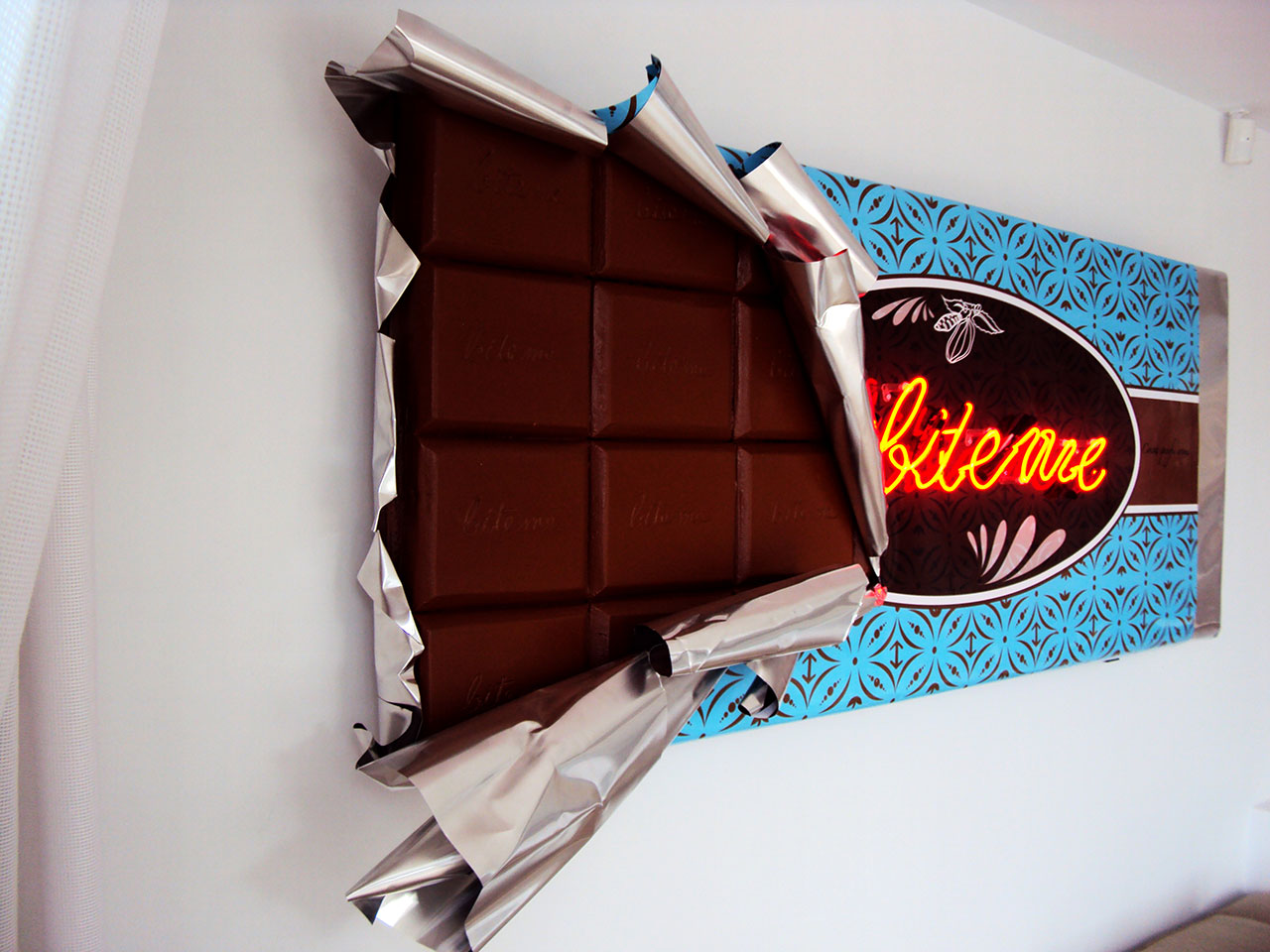 chocolate-neon-aluminum-installation