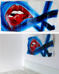 red-lips on aluminium