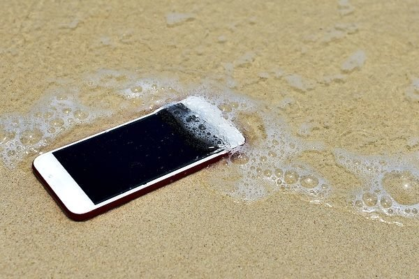 How To Save A Drowned Phone