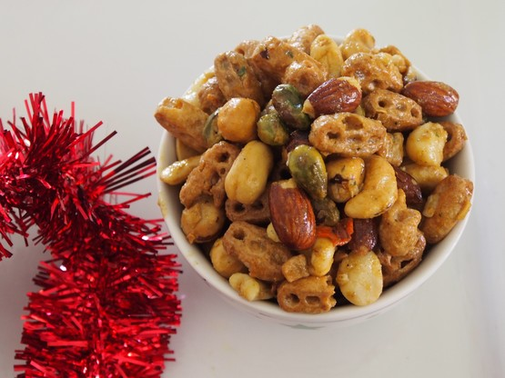 Nuts and Bolts Crunchy Snack Mix | Stay at Home Mum