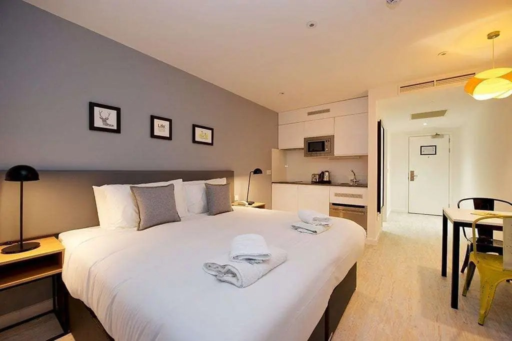 Staycity Apartment Hotel London Heathrow With Parking
