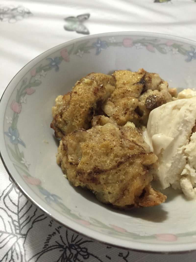 Southern bread pudding recipe: an easy to make and yummy recipe that tastes even better the next day! | Stay gold Autumn