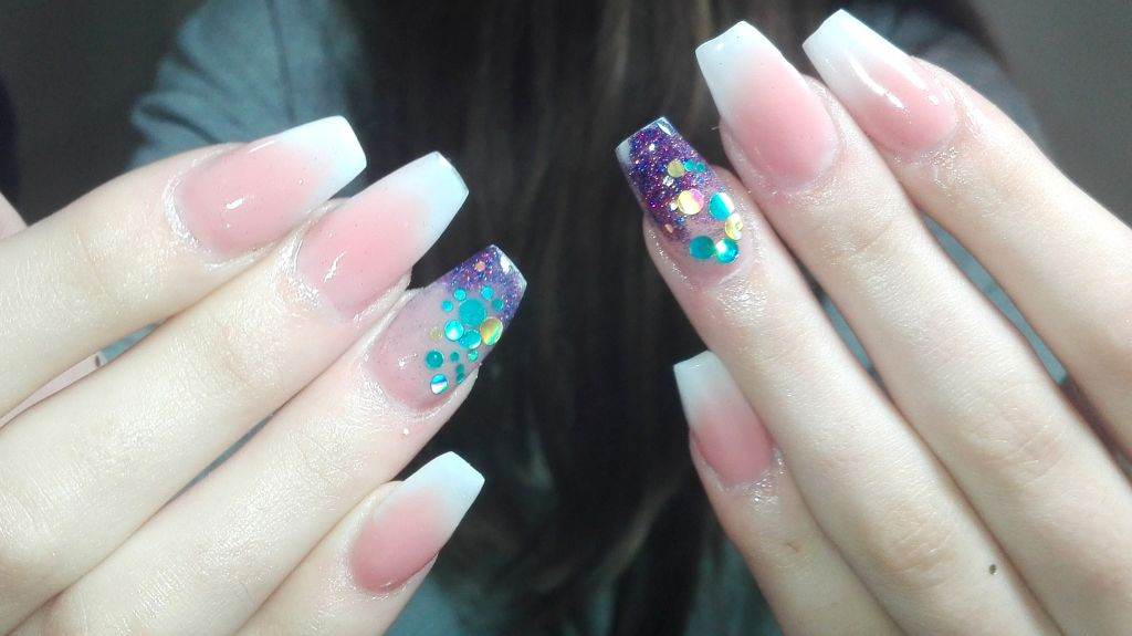 nail designer Stay