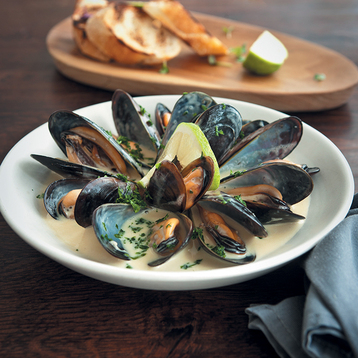Keto Mussels in White Wine Sauce