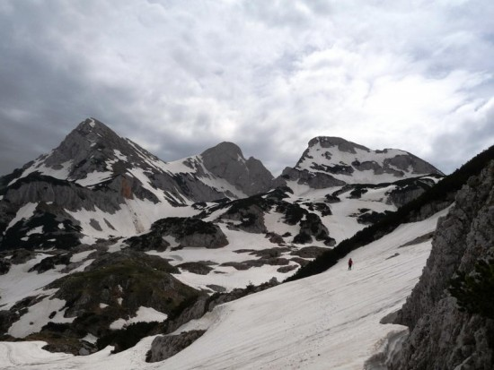 U Carevom dolu, pogled ka južnim delovima Bioča i vrhu Vrsta