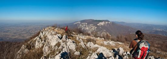 Pogled sa vrha Ježevca ka Vukanu