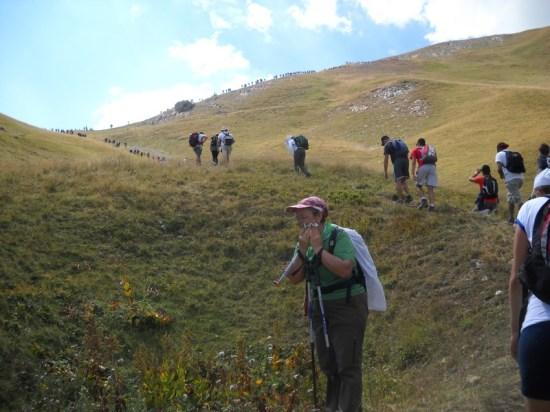 Kolona planinara na usponu