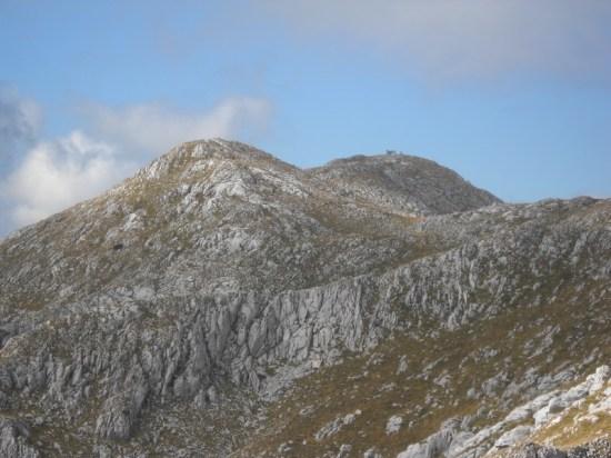Vrh Djokin Toranj ili Mala Ćaba, kako se sada naziva, je na vidiku