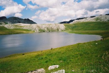 Štirinsko jezero