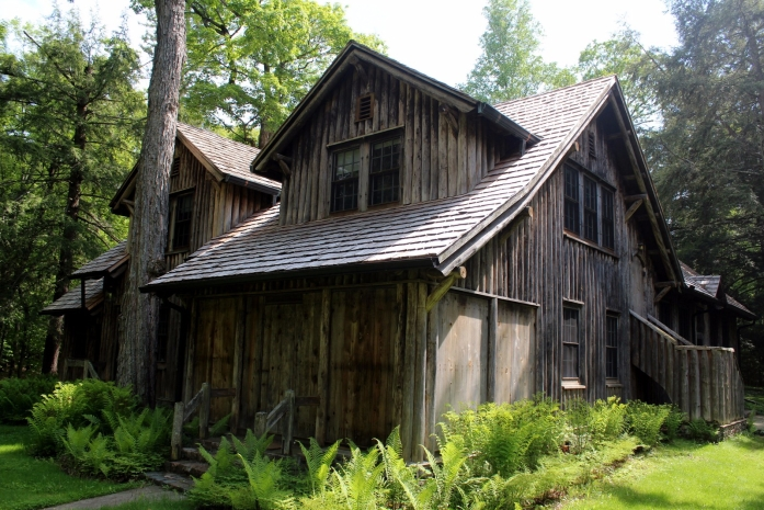 forest-lodge-cabin