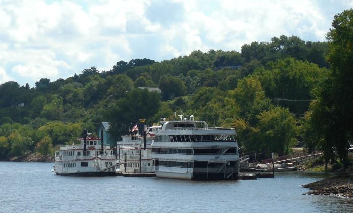 St. Croix Boat & Packet Co. docks, location of free Stillwater boat slips