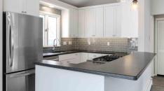 Cottage Style Kitchen on Whitewater Lake - IMG_0006-resized-862x482