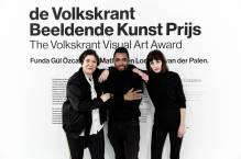 Funda Gül Özcan, Neo Matloga en Lonneke van der Palen (van l naar r). Fotografie: Aad Hoogendoorn