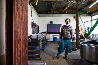 Zoro Feigl in zijn atelier. Fotografie: Aad Hoogendoorn