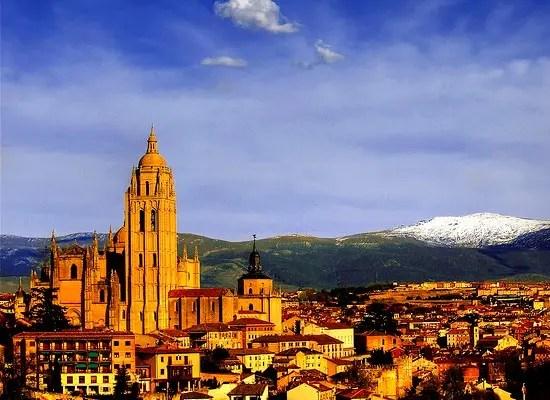 Europa's 30 Mooiste Eeuwenoude Steden
