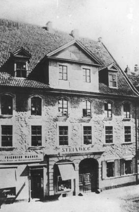 Stammhaus Th. Steinway Nachf. Piano's
