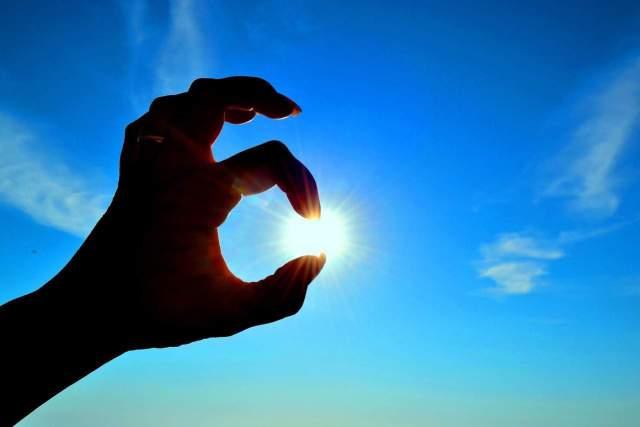 hands-sun