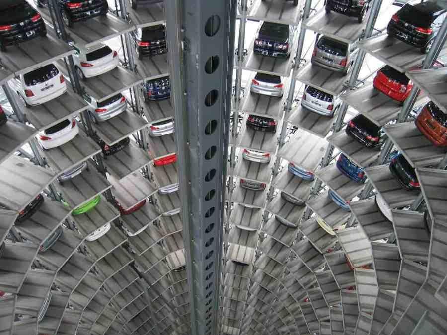 parkingautos-214033_1280