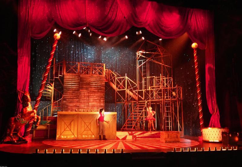 Love Circus Folies Bergères