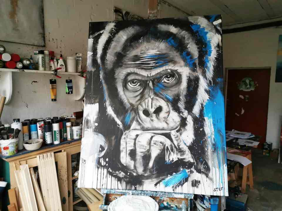 Gorilla Gemälde im Atelier