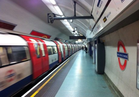 5 Things I recommend You Do While Commuting in London (England)