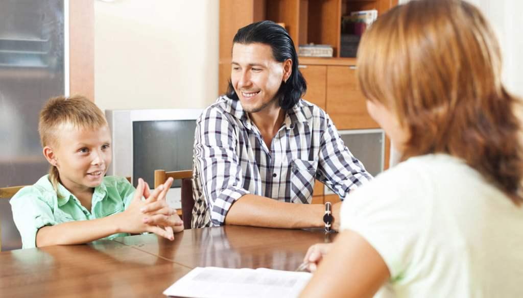 dialogo-genitori-insegnanti-scuola