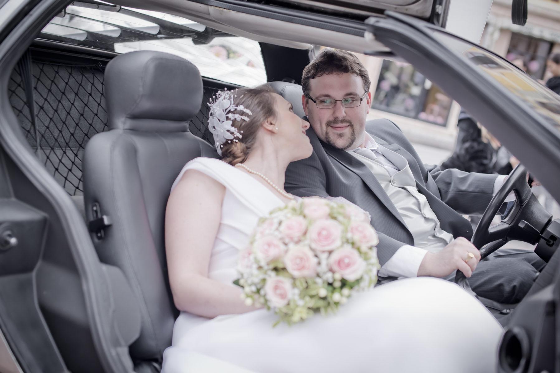 Boquet e sposi, come scegliere il fotografo del matrimonio
