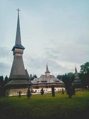 Mănăstirea Săpânța-Peri, Săpânța