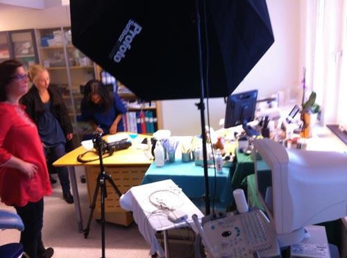 ljussättning-läkarporträtt-på-mottagning-profoto-octa-150cm