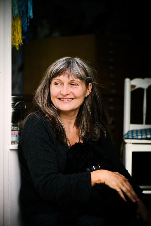 Anna Höglund, författarporträtt/pressbild av illustratör till Lilla Piratförlaget 2013. Fotograf Stefan Tell