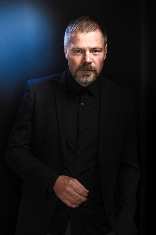 Kristofer Leandoer, 2013. Författarporträtt för Bonniers. Fotograf Stefan Tell