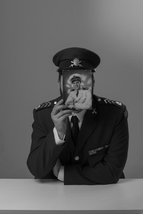uppdrag-foto-porträtt-i-gammal-stil-av-militär